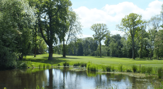 Horsham golf and fitness 1st hole | Sussex Golf